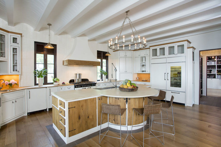 Modern white kitchen with wooden detailing, herlong architects interiors by herlong