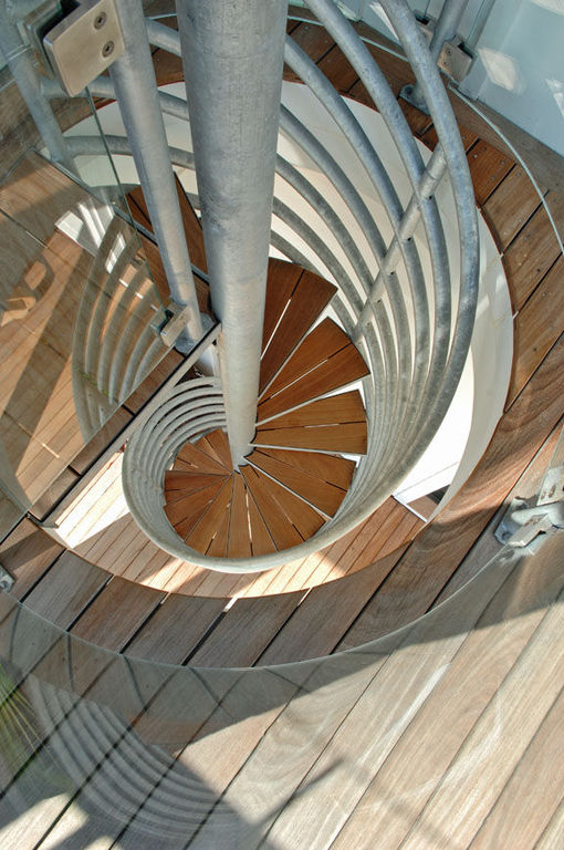 Spiral staircase to top deck herlong